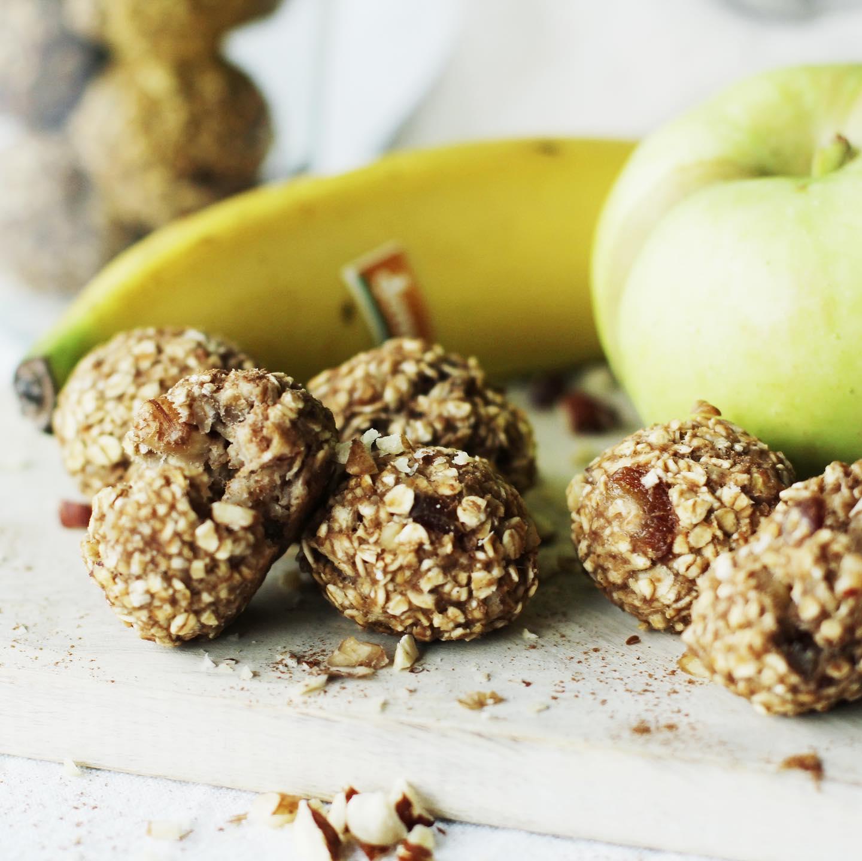 Zuckerfreie Apfel-Bananen-Bällchen